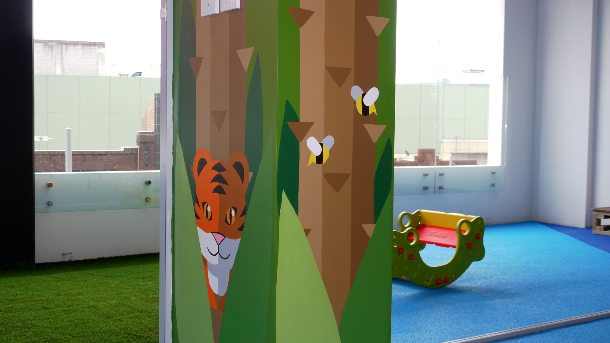 the-art-of-wall-child-care-center-jungle-room-column-3