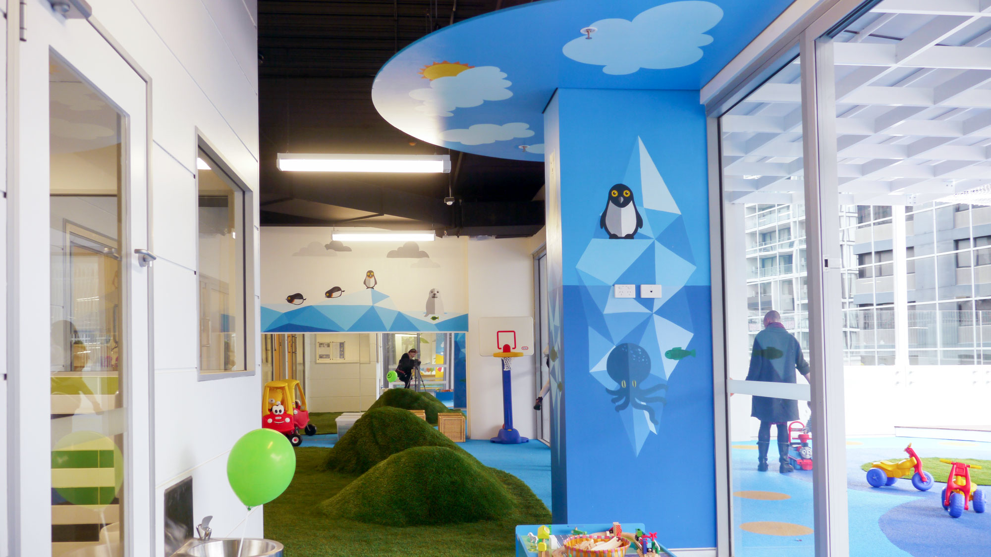 the-art-of-wall-child-care-center-mural-arctic-room1