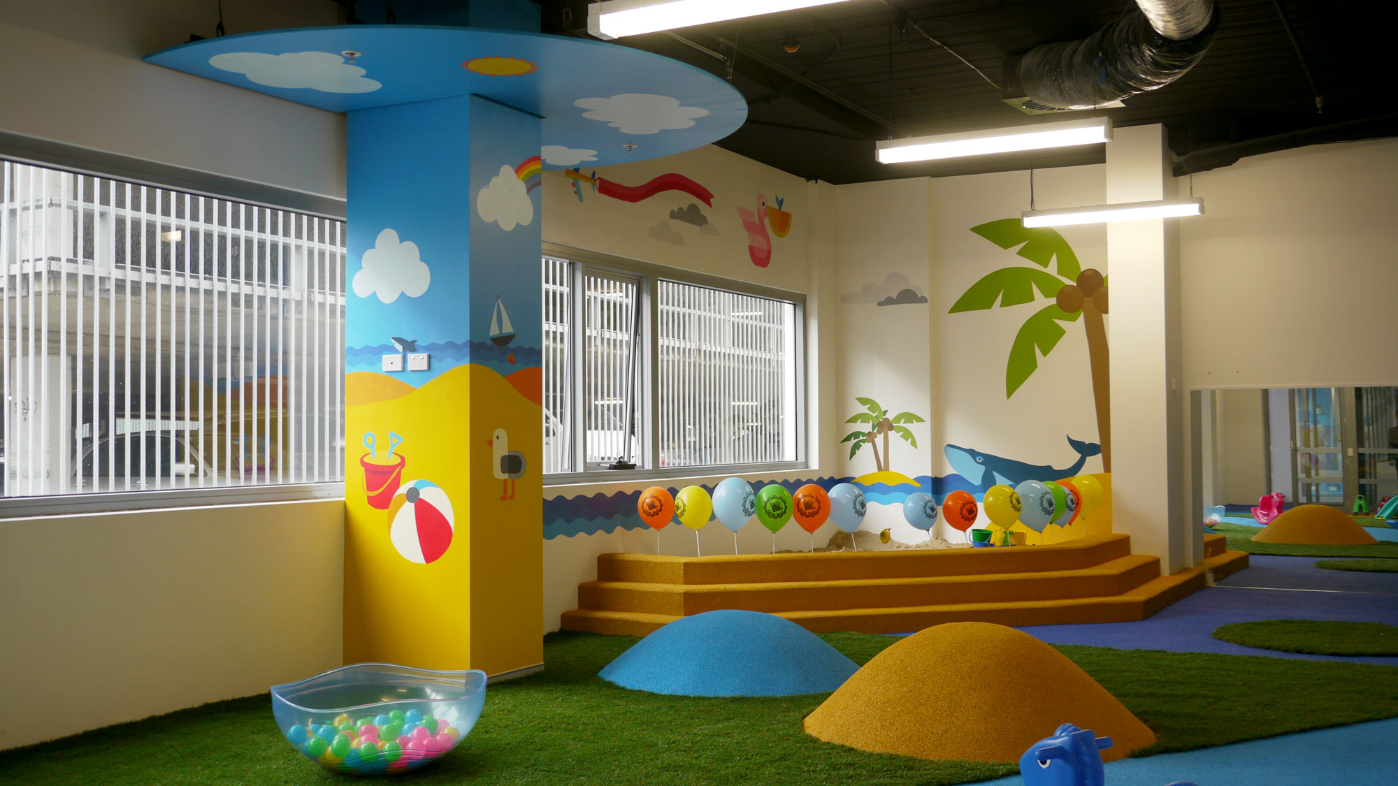the-art-of-wall-child-care-center-mural-beach-room2