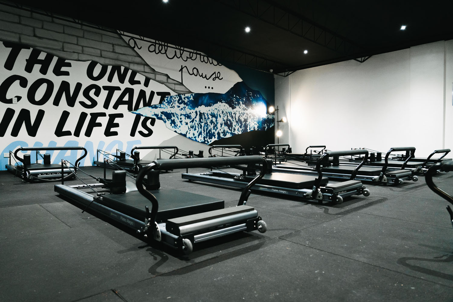 the-art-of-wall-studio-elipsis-mural-hand-painted-wall-art-lettering-ocean-quote-gym-mural-2