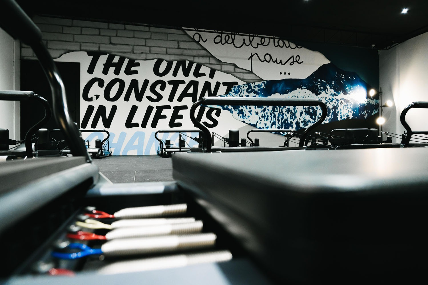 the-art-of-wall-studio-elipsis-mural-hand-painted-wall-art-lettering-ocean-quote-gym-mural-7